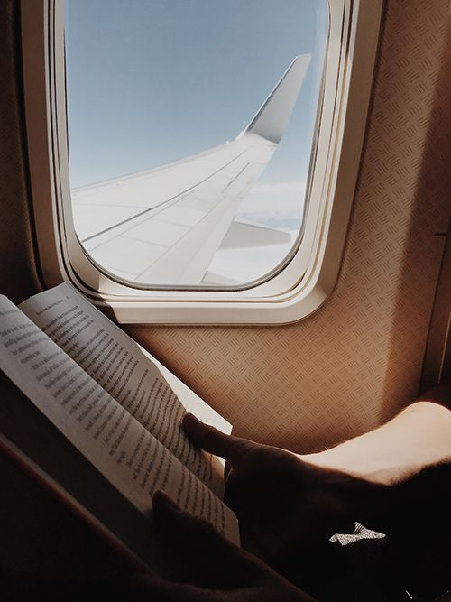 reading a book helps to beat jet lag prevent travel fatigue