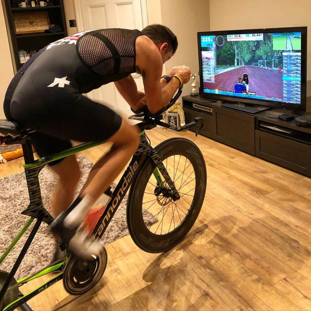 Indoor training on zwift
