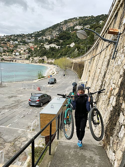 Cycling from Nice to Monaco obstacles