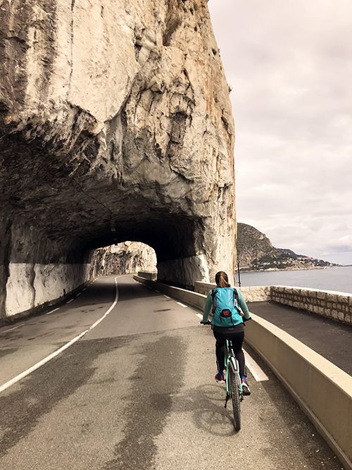 Cycling from Nice to Monaco with cars
