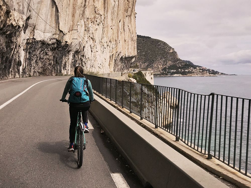 The cliff road while cycling from Nice to Monaco