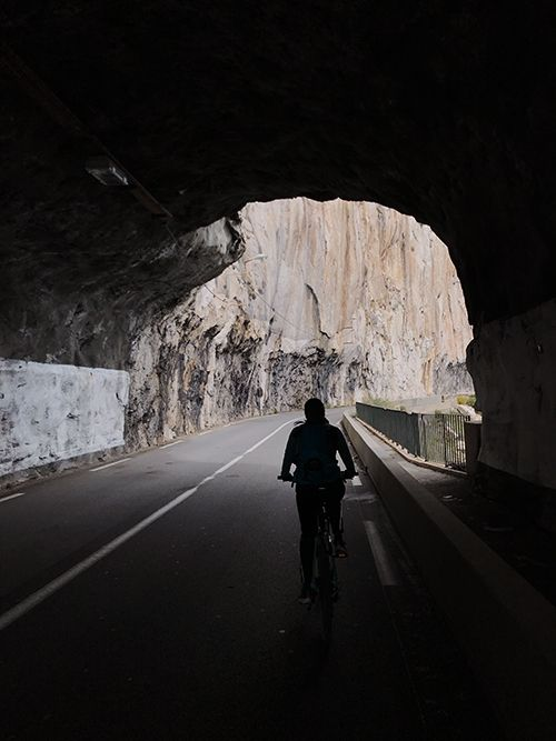 Tunnels while cycling from Nice to Monaco