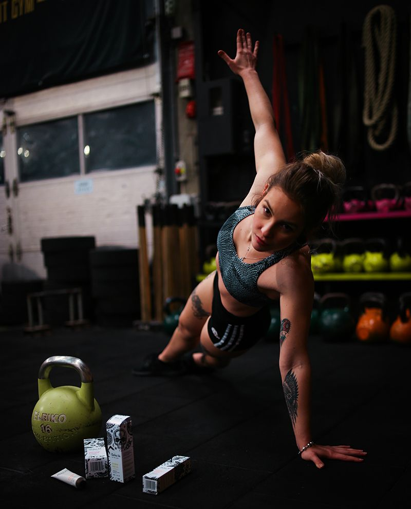 Core endurance training as one of the strength building workouts