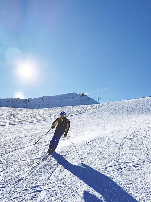 Skiing on empty slopes in Davos