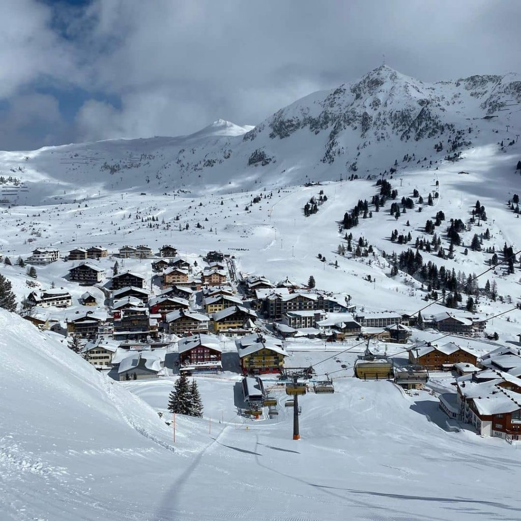 Top skiing resorts in the Alps